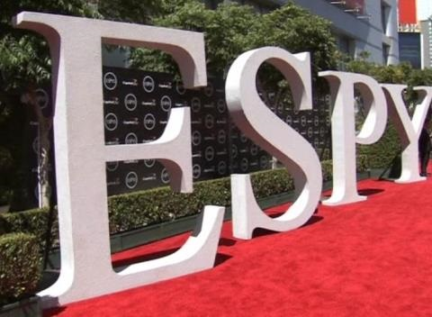 News video: Top Stars in Sporting World Grace Red Carpet for ESPY Awards