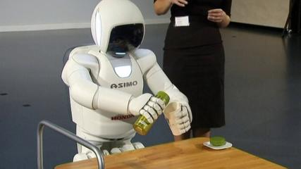 News video: Dexterous humanoid robot dances through European debut